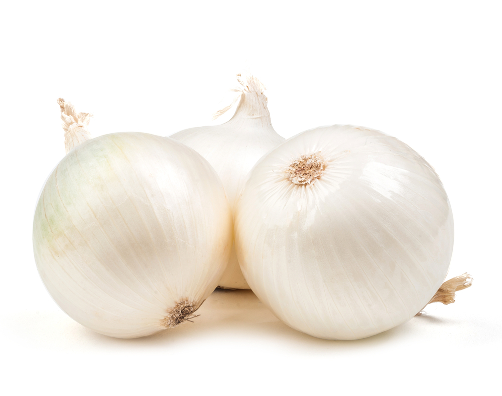 Photo showing white onions